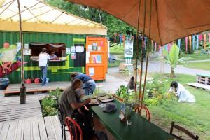 Sous la tente 4