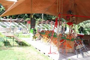 Sous la tente 2